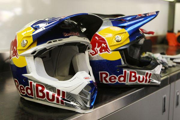 Product Blog Bell Moto 9 Update Motocross Feature